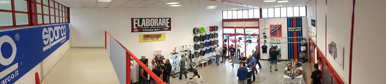 officina-torino-racing-punto-vendita-accessori-auto-negozio